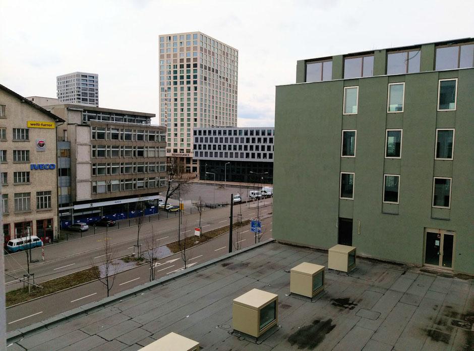 Ausblick 1 aus meinen Büro - Pfingstweidstrasse