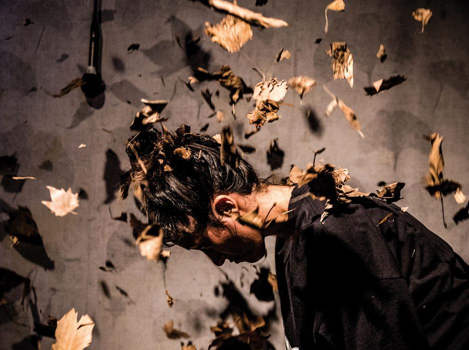 Photo (c) Florian Jarrigeon - Vilain ! - Théâtre à cru - Alexis ARMENGOL