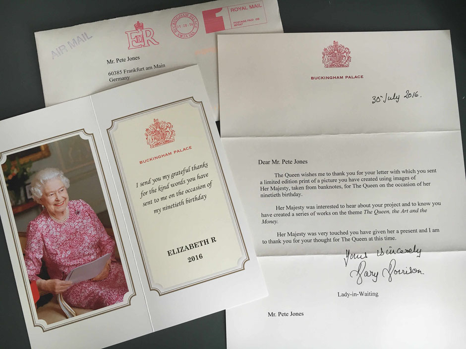Post aus dem Buckingham Palace. Queen Elisabeth II. is the most pictured person on banknotes worldwide. Her Majesty seems to like it. Dankschreiben meines berühmtesten Models.