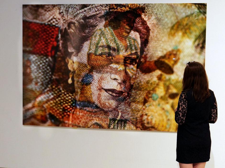 QUEEN | 260 x 180 cm | Echtfotoabzug auf Aludibont mit Plexiglas