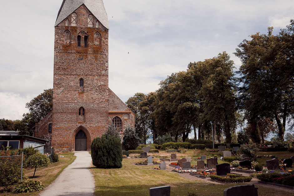 Kirche Gemeinde Wusterhusen Nähe Lubmin am Greifswalder Boden