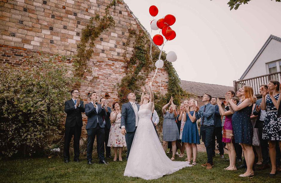 Luftballon steigen Hochzeit