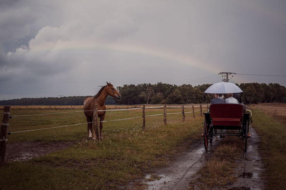 Hochzeitsfoto mit Regenbogen