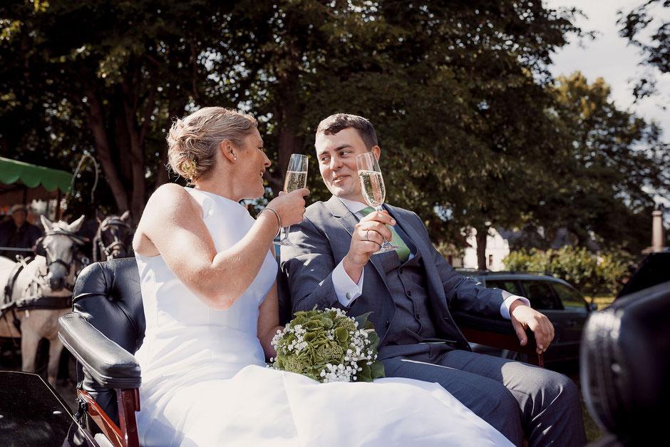 Hochzeit Sektempfang mit Kutsche