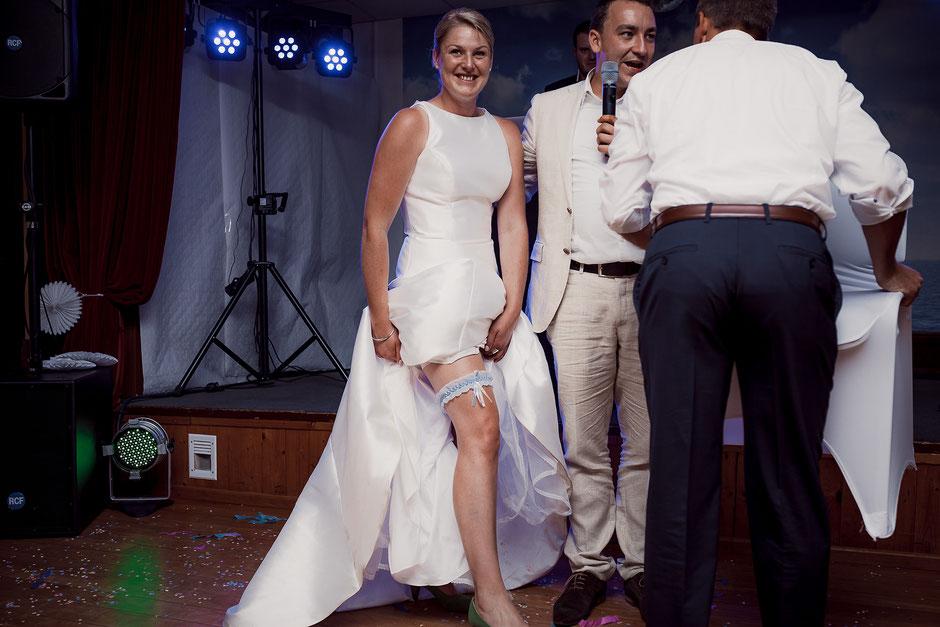 Hochzeitsfeier mit Spielen Brautversteigerung