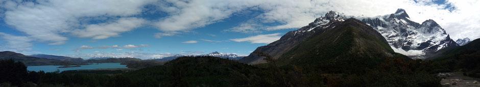 A gauche, le lac Norden et ses fjords. Il promet ce lac ! On a hâte de s'en approcher...