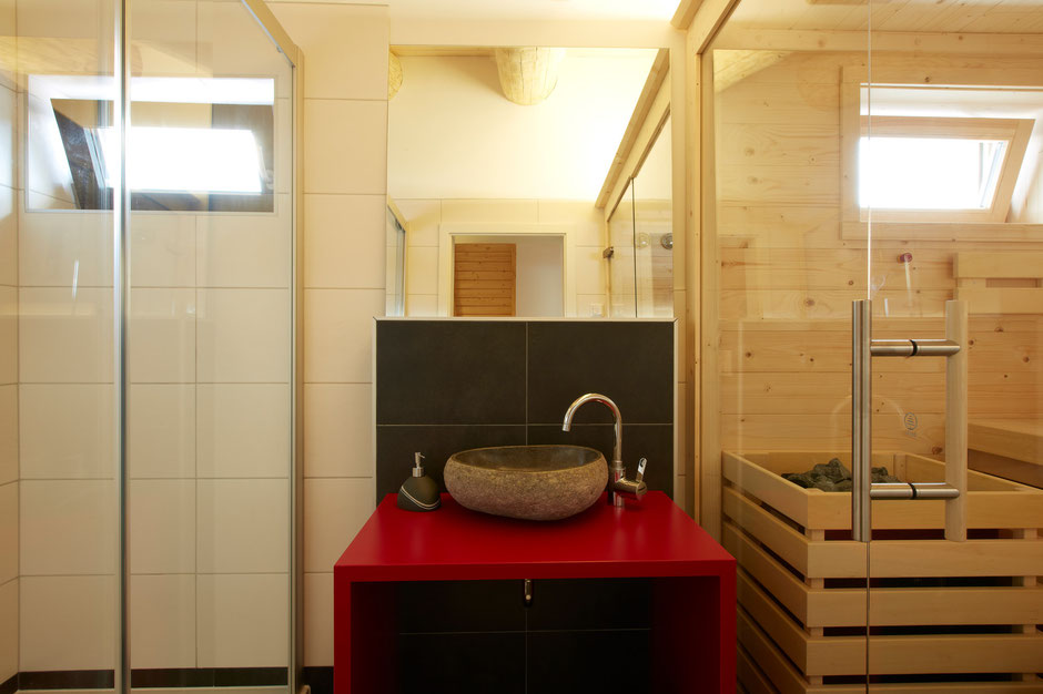 Pure relaxation and harmony in every chalet's own sauna with a refreshing rain shower