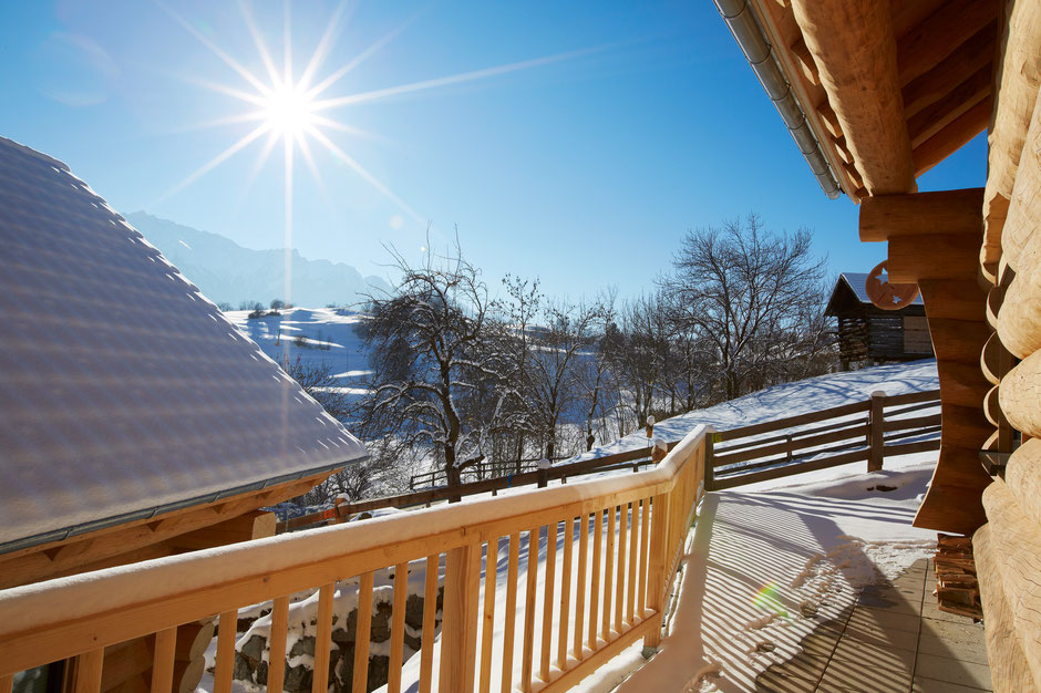 Herrlicher Winter Ausblick vom Chalet Dorf TyroLadis