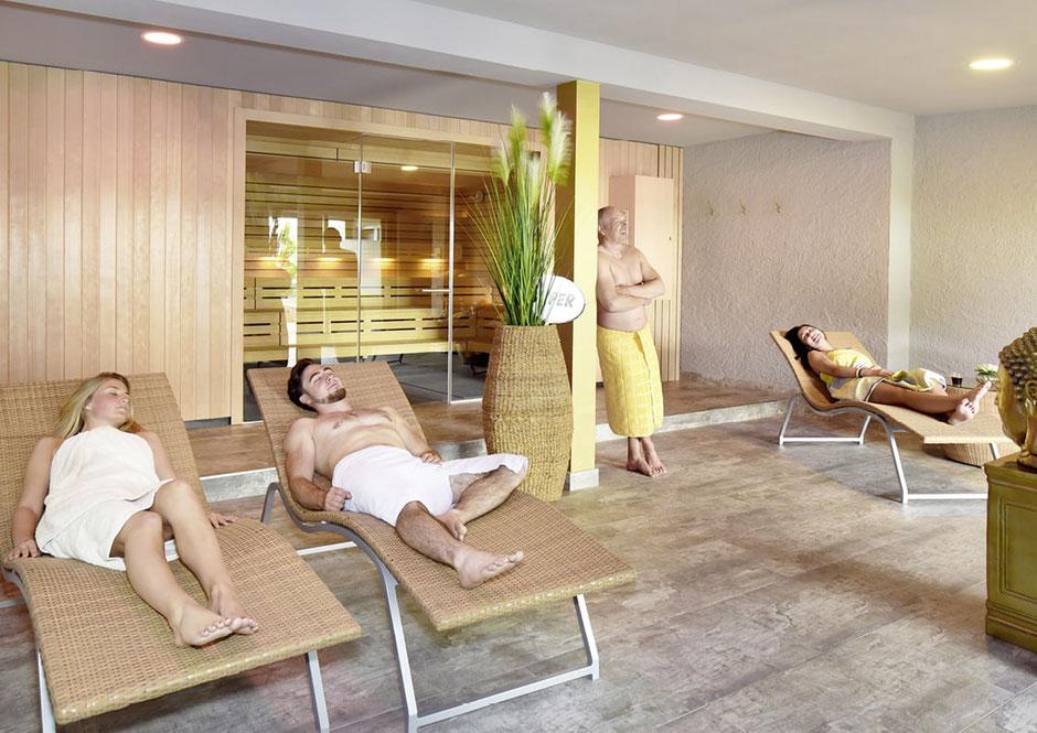 Im Fitnessstudio NOW-FIT in Raubling bei Rosenheim. Erholung für Körper und Geist Regeneration für Faszien und Tiefenmuskulatur Hautpflege durch Anregung der Lymphe und Entschlackung