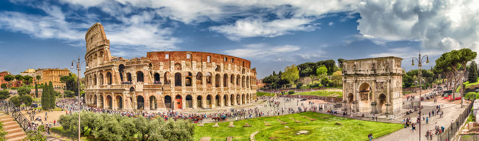 Blick auf das Kolosseum in Rom