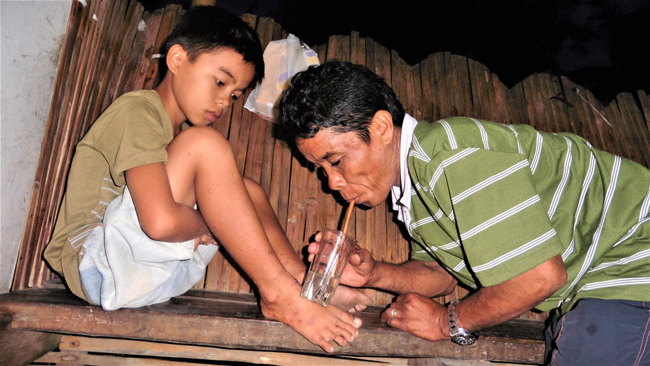 Reiseführer Siquijor Philippinen - Besuch beim Bolo Bolo Mann