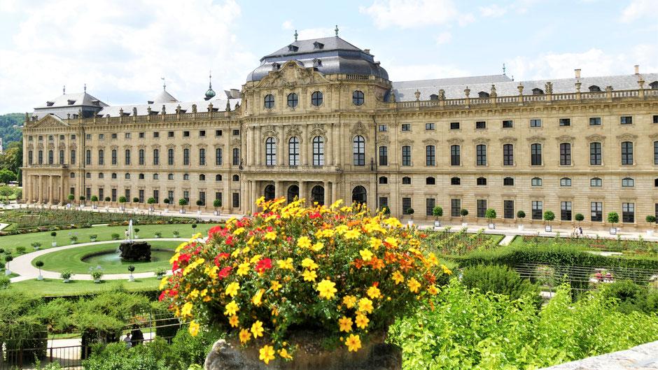 Würzburg Sehenswürdigkeiten: Residenz und barocker Hofgarten