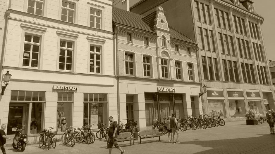Wismar Sehenswürdigkeiten Rundgang: Das Karstadt Stammhaus in Wismar