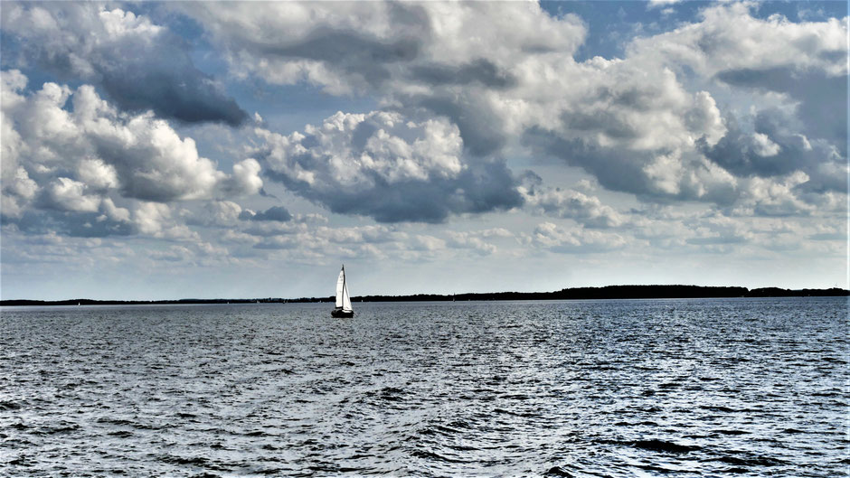 Fast schon ein kleines Meer: Die Müritz an der Mecklenburgischen Seenplatte