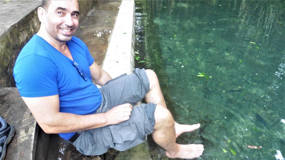 Reiseführer Siquijor Philippinen - Fuß Peeling bei den Doktorfischen