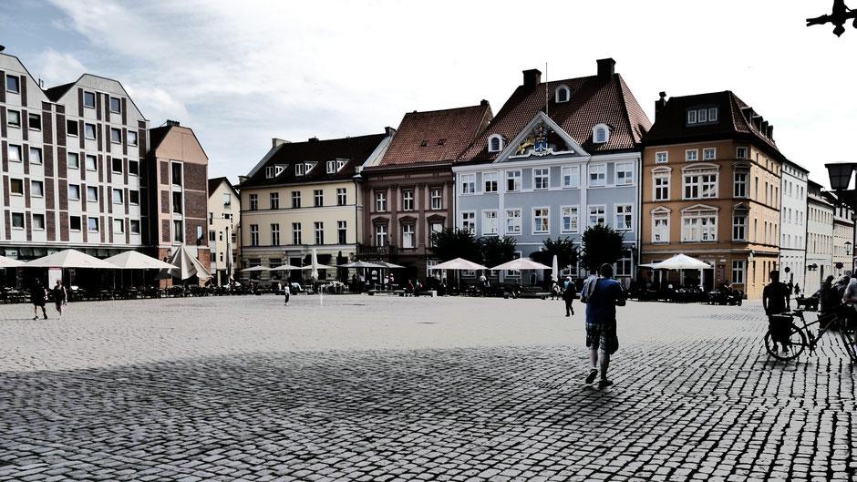 Ausgangspunkt für den Besuch vieler Stralsund Sehenswürdigkeiten: Der Alte Markt