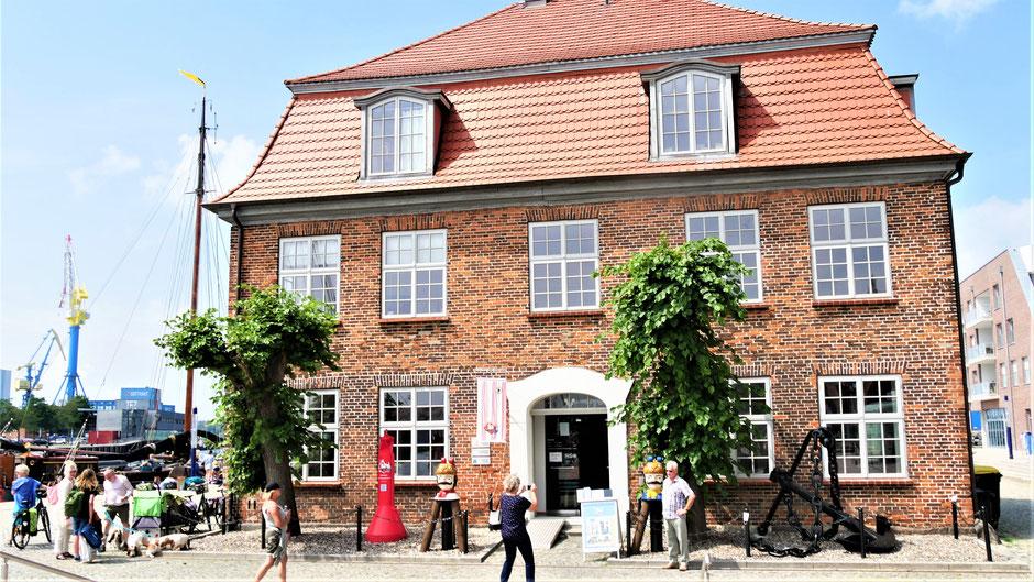 Wismar Sehenswürdigkeiten Rundgang: Das Baumhaus der Bohmschlüter