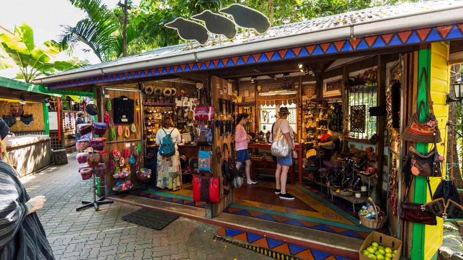 Cairns Sehenswürdigkeiten  Kuranda Markt