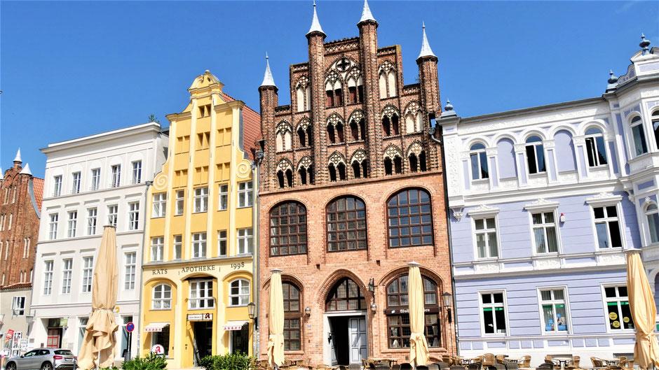 Stralsund Sehenswürdigkeiten: Das Wulflamshaus - hanseatisches Kaufmannshaus und Restaurant
