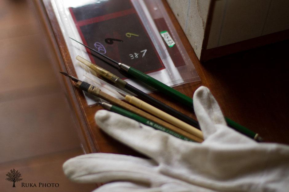 父が下請けをしていたネガフィルムの鉛筆修正は、だれよりも丁寧だったと、恩師の先生に教えてもらった。