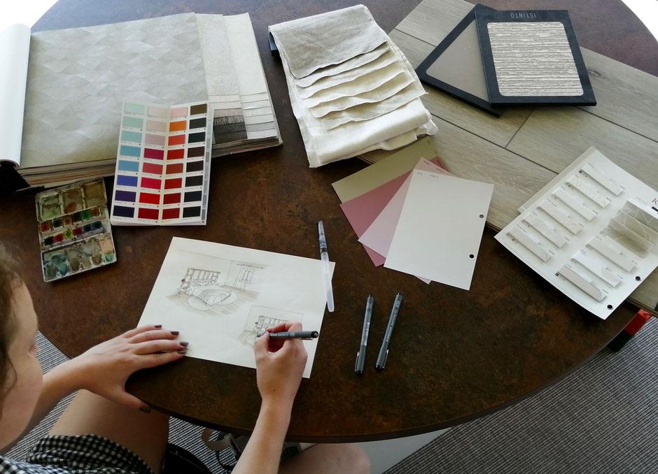 Etude de plans, design d'intérieur avec nuanciers, choix de teintes, tissus, stores, papier peint, enduits décoratifs, revêtement de sol pour harmoniser les intérieurs
