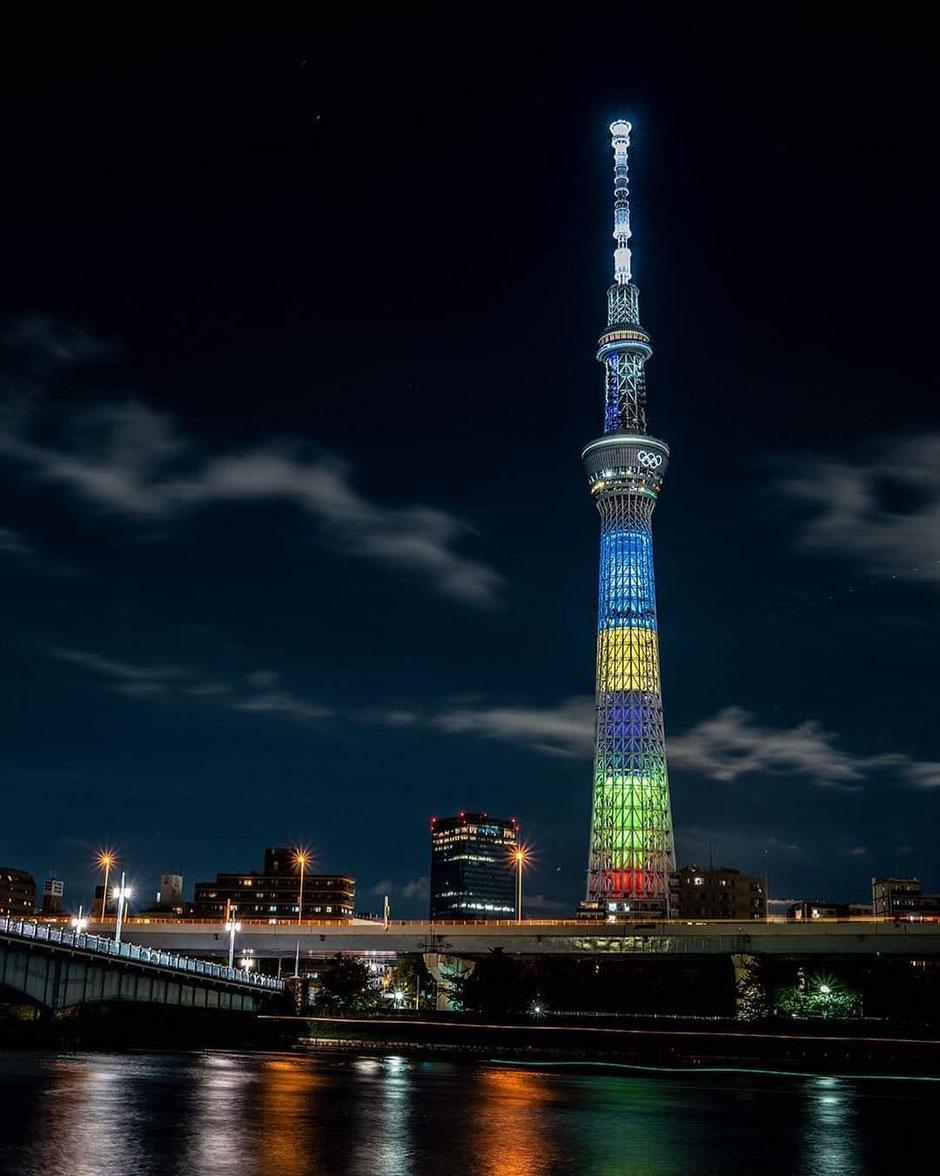~オリンピックカラーのイルミネーションが美しい東京スカイツリー~
