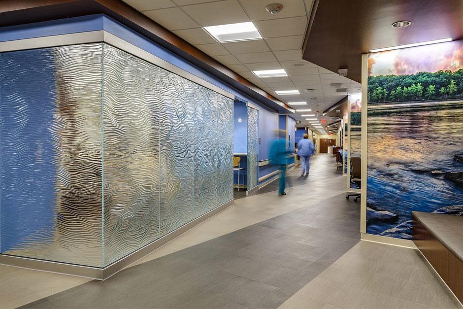 Semi transparente Glas Trennelemente als Ornamentglas für Raumteiler und Schiebetüren