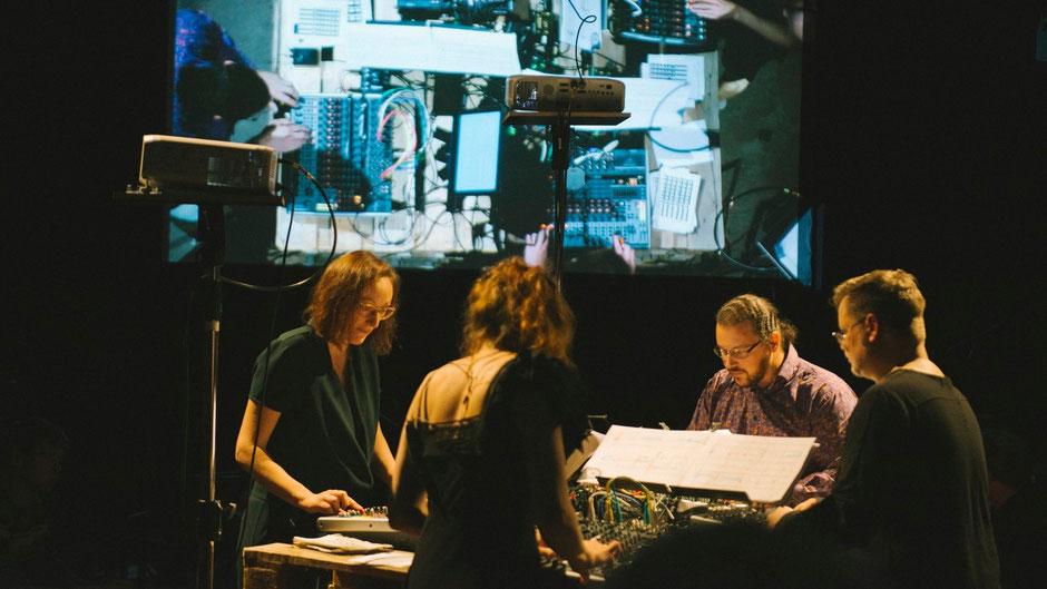 DISSOCIATED. Audiovisuelles / multimediales Stationenkonzert (2019 / trugschluss x aDevantegarde Festival)