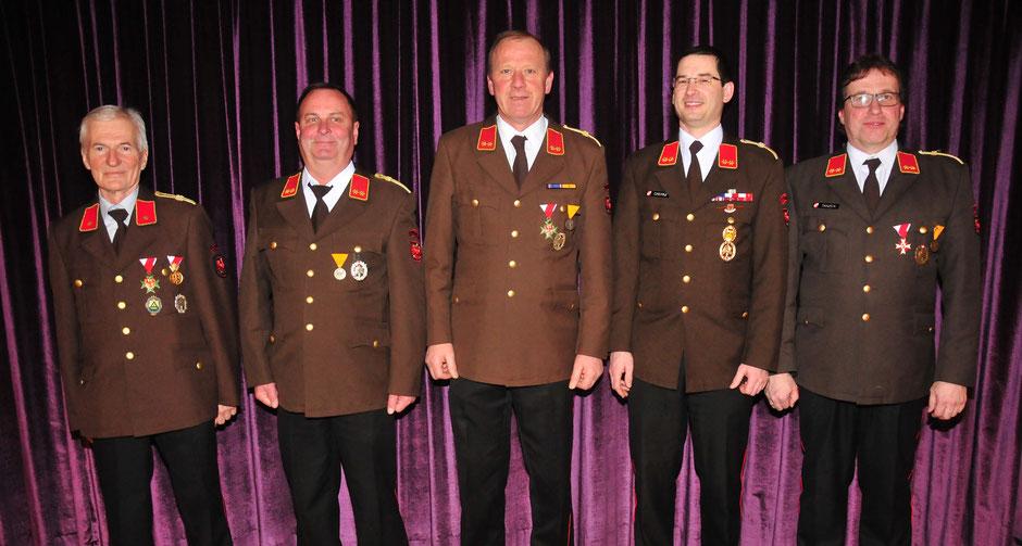 v.l.: BI Anton Stauder (1993 - 1995), OBI Martin Kofler (1995 - 2007), OBI Erich Wurzer (2007 - 2013), OBI Georg Crepaz (2013 - 2018) und OBI Martin Tanzer (seit 2018)