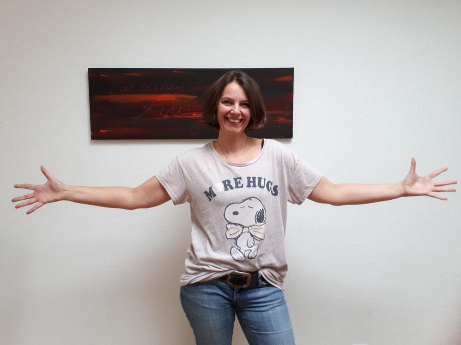 Karin Kastner Yoga und Life Coach Free Hugs