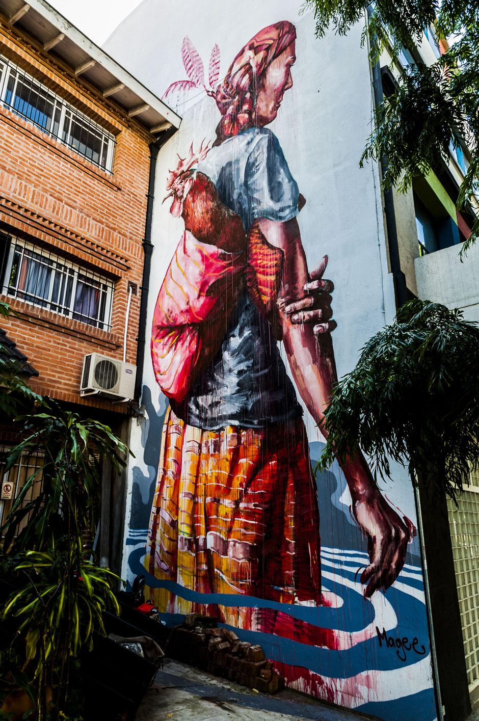 """Mein Favorit: Das Werk des australischen Künstlers Fintan Magee, mit dem Titel """"Displaced"""", dass die Fassade eines vierstöckigen Bürogebäudes schmückt."""