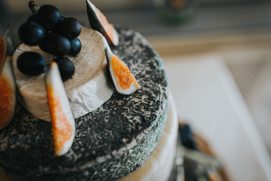 alternative wedding cake made of cheese