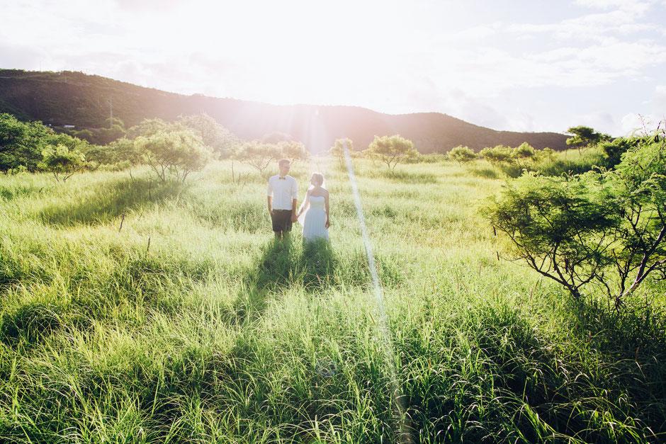 wedding photographer sunset beach hawaii