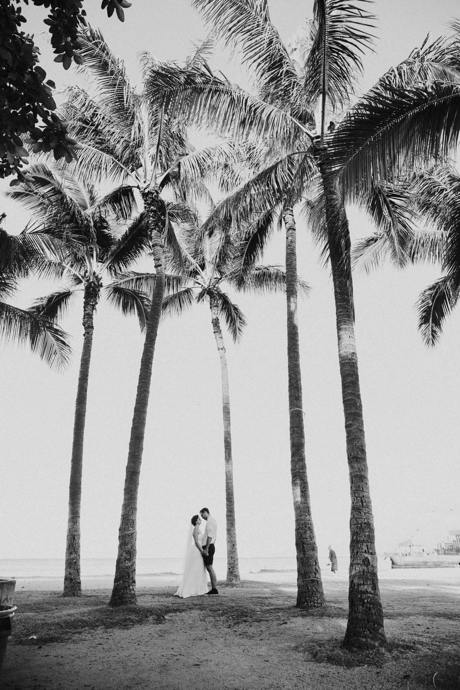 wedding photographer hawaii mountains
