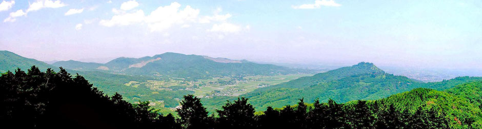 展望台から見る裏愛宕と上郷地区