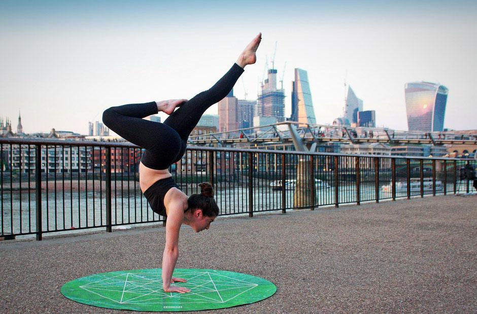 Польза йоги при современном образе жизни