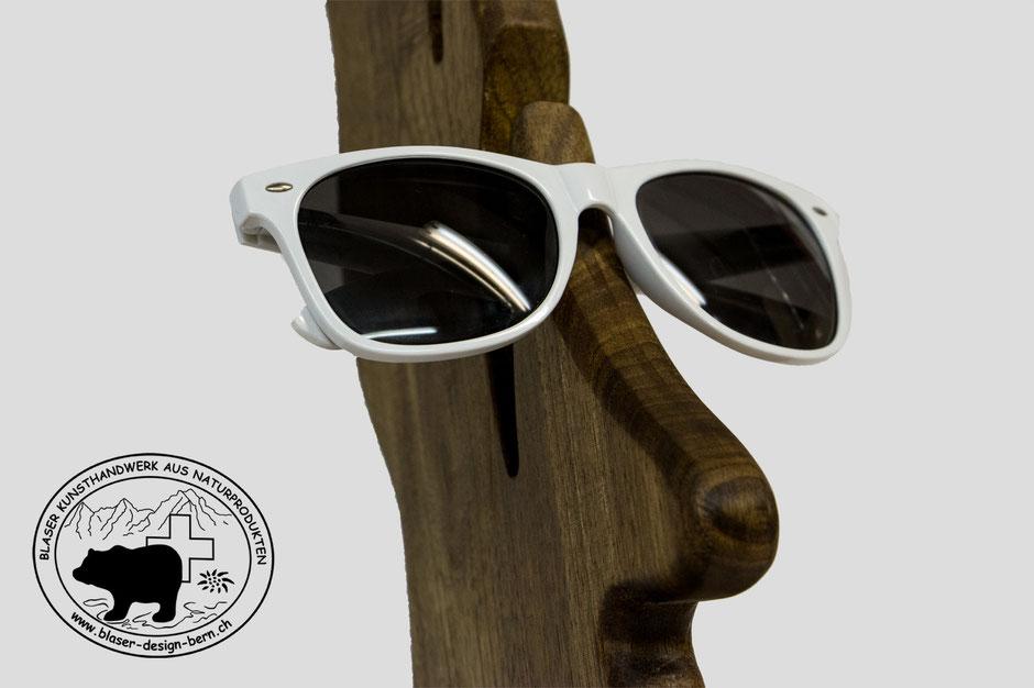 Cool und stylischer Brillenhalter aus Schweizer Echt Holz
