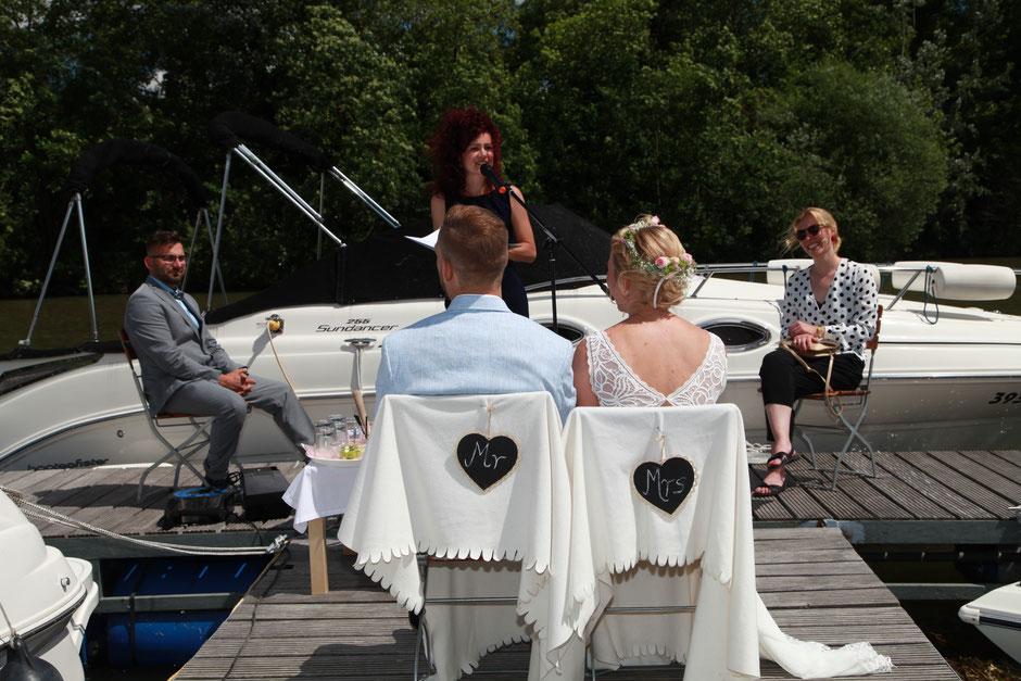 Eine super romantische Hochzeit in der Marina Hafenbar in Würzburg