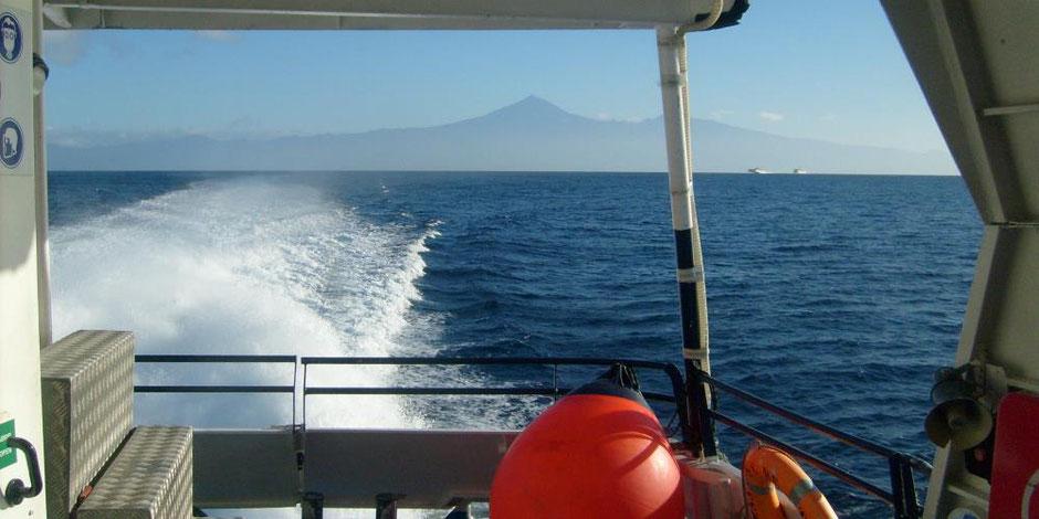 Fähre nach La Gomera, Blick auf Teneriffa