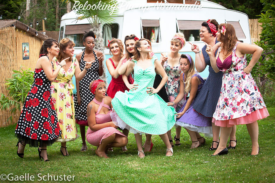 Relooking pin-up pour un enterrement de vie de jeune fille, shooting photo