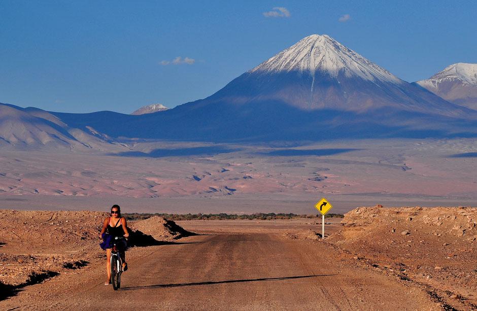 Désert d'Atacama, Amérique du Sud - Photo : Naxsquire (Wikipédia)