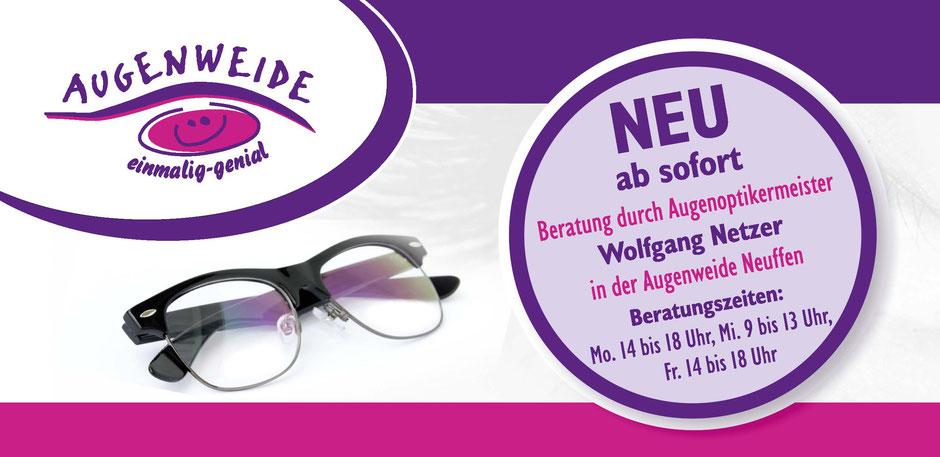 Halbrandbrille mit Informationen zur Beratung