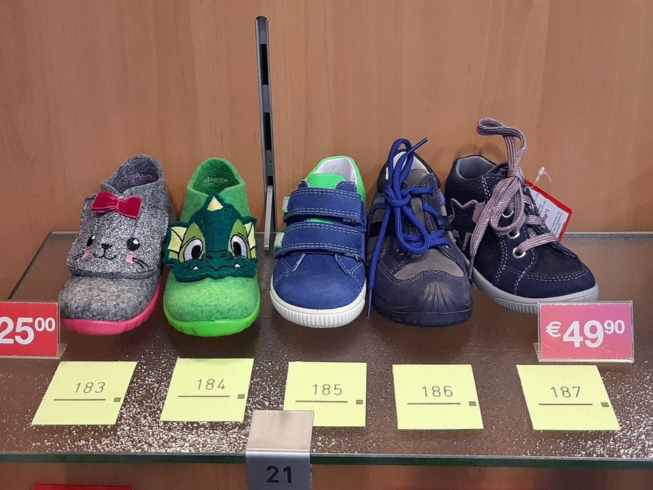 Auswahl Schuhgröße 21