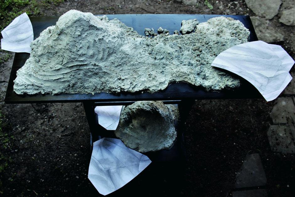 »MARIANNE KIRCHGESSNER GEWIDMET«, Bildhauerei, 2020