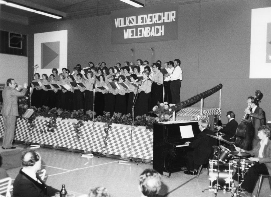 22. Oktober 1977: Gemeinschaftskonzert mit der Chorvereinigung Biedersinn in der Turnhalle