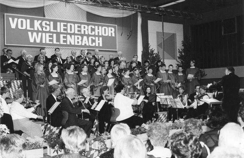 13. Mai 2000: Konzert im Frühling zusammen mit dem Wielenbacher Jugenchor CARPE DIEM und Orchester