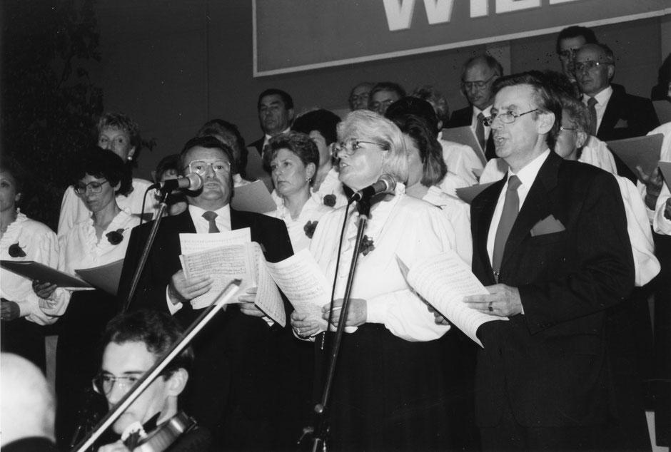 15. Mai 1993: Frühlingskonzert . Solisten v.l.:Lorenz Schamper, Ruth Arlt, Hans-Joachim Mengeler