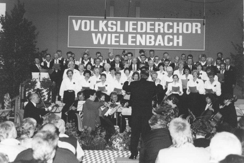 15. Mai 1993: Frühlingskonzert mit dem Männerchor Forst und dem Orchester