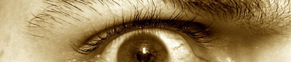 Mood: Angstgeweitetes Auge