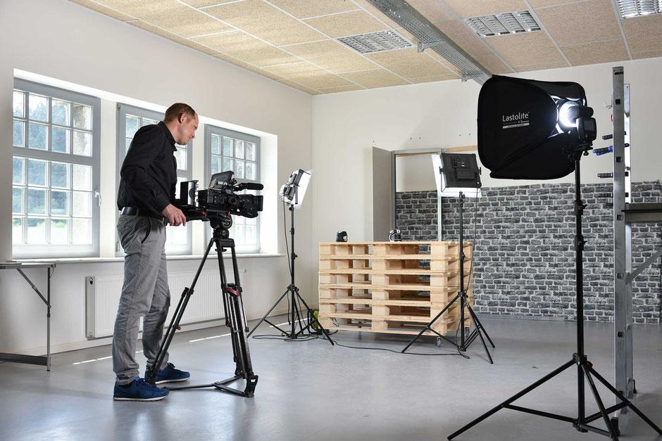 Filmstudio im Sauerland: fullscreen.productions betreiben ein Studio in Arnsberg-Oeventrop.